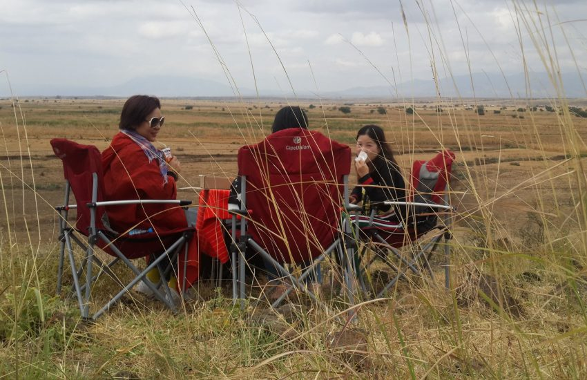 Picnic lunch in the Serengeti