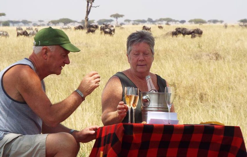 Picnic lunch while on game drive