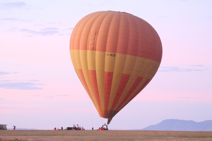 Kenya safari guide - Hot air balloon in Masai Mara, Kenya