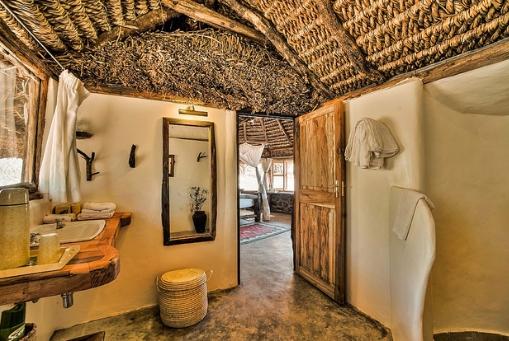 Lewa House Bathroom